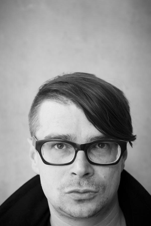 """Jaroslav Rudi‰, spisovatel """"Psaní se mi otevfielo v Berlínû, kde jsem studoval. Byl jsem hodnû sám, chodil jsem mûstem."""""""
